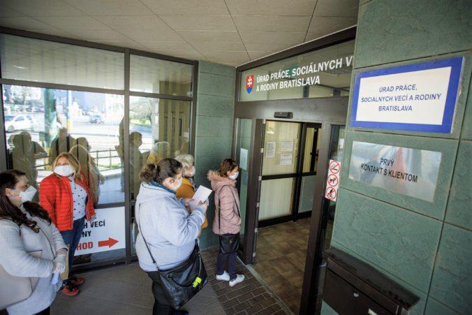 Nezamestnanosť na Slovensku sa zvýšila v 69 okresoch, najvyššia bola v Rimavskej Sobote