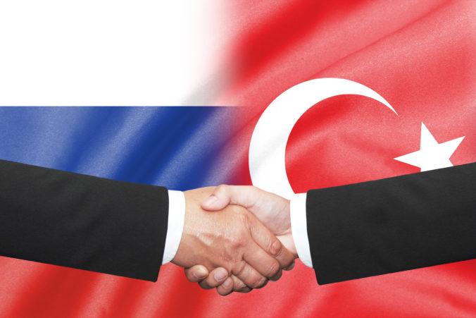 Turecko a Rusko prediskutovali konflikt v Líbyi a dohodli sa spoločne dosiahnuť prímerie