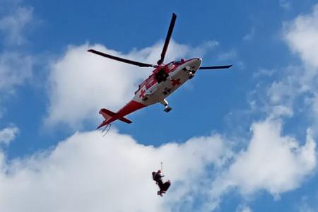Leteckí záchranári mali plné ruky práce, vo Vysokých Tatrách zasahovali pri zlomeninách i pádoch