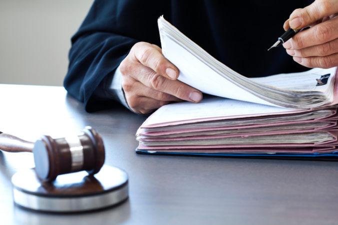 Niektoré súdy majú viac prípadov ako iné, Mazák vidí tiež problém v zložitosti ich riešenia