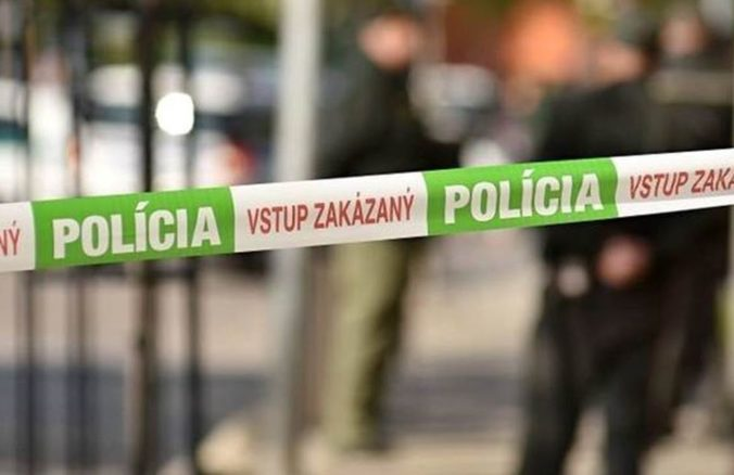 V Bratislave došlo k útoku, v nemocniciach skončili tri osoby a polícia zadržala muža