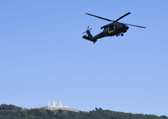 Naď nevie, čo s peniazmi. Slovensko by mohlo kúpiť nové vrtuľníky Black Hawk za 50 miliónov dolárov