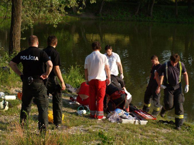 Vody košického Jazera majú prvú obeť, polícia smrť mladíka vyšetruje