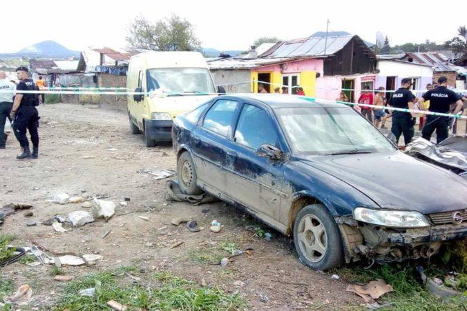 Opitý 21-ročný vodič zrazil autom v obci Ostrovany dve deti, jedno nehodu neprežilo