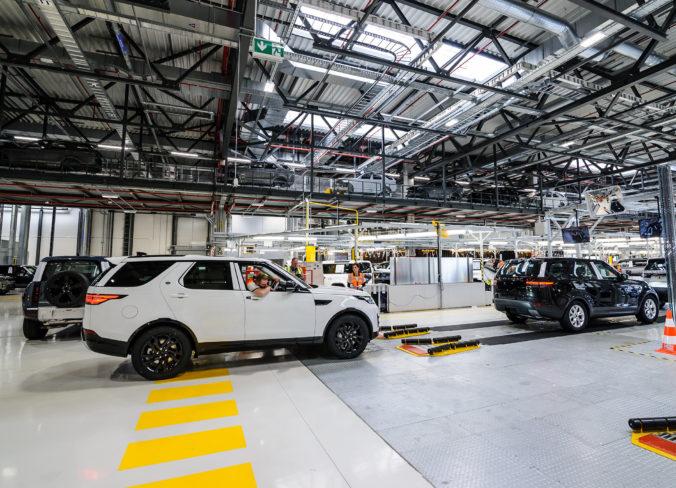 Jaguar Land Rover rozšíri v Nitre výrobu, štát jej dal pre výstavbu novej haly zelenú