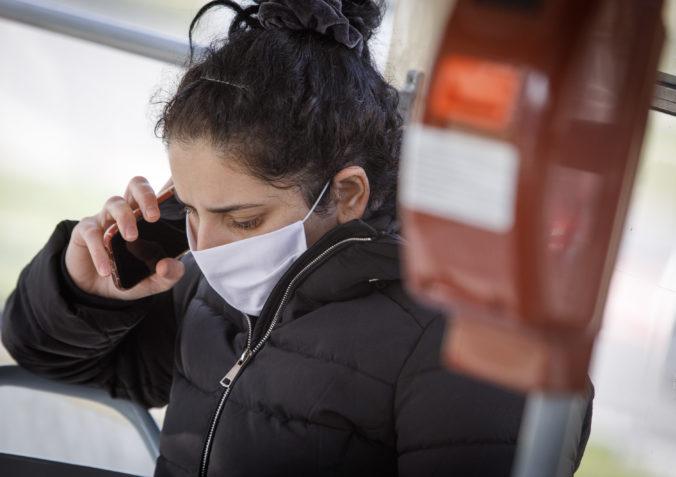 Koľko ľudí porušilo karanténu a koľkým chýbali rúška? Polícia zverejnila počty priestupkov