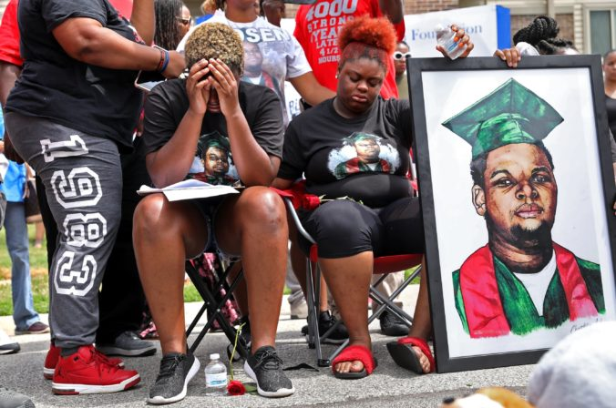 Policajta, ktorý v roku 2014 vystrelil na Michaela Browna dvanásť guliek, neobvinia