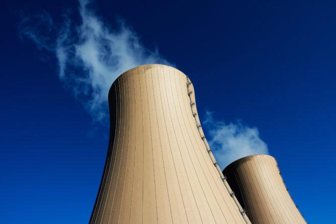 Spojené arabské emiráty spustili prevádzku prvej jadrovej elektrárne na Arabskom polostrove