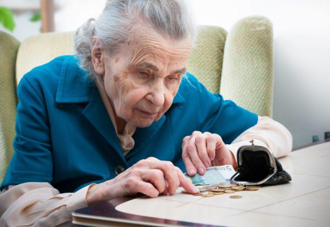 Tristoeurový 13. dôchodok dostane len zlomok penzistov. Patríte medzi nich?