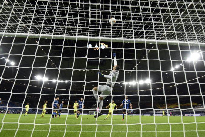 Škriniar postúpil s Interom do štvrťfinále, Škrtelov Basaksehir v Európskej lige dohral