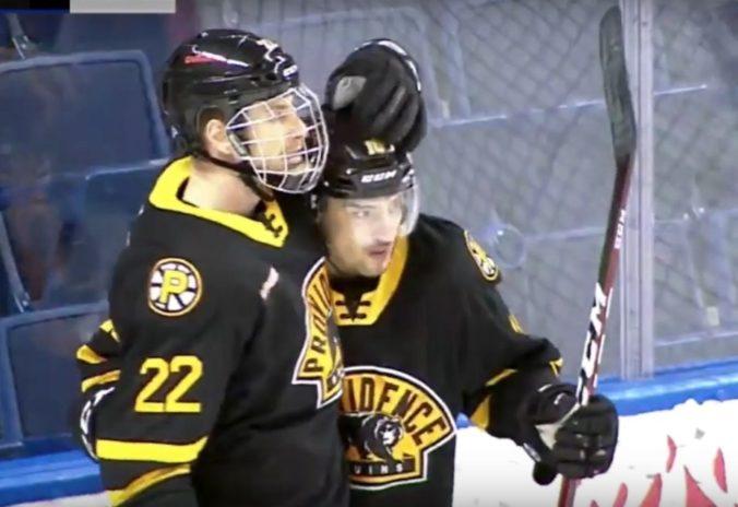 Lantoši dostal životnú šancu na NHL, Boston s ním podpísal nováčikovskú zmluvu