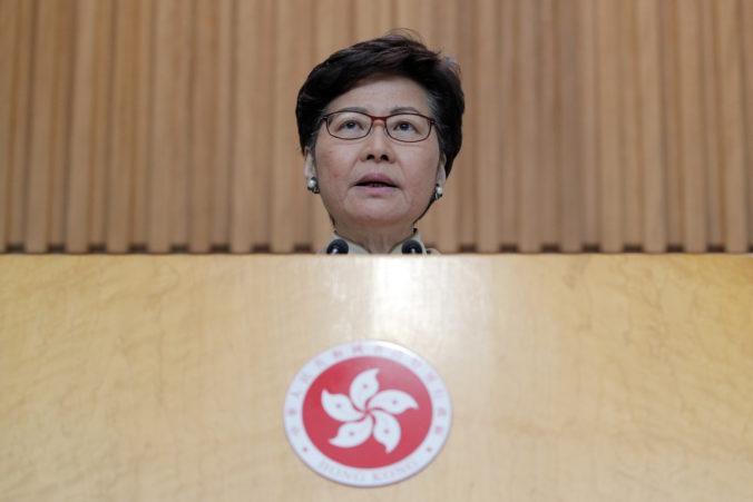 Washington uvalil sankcie na správkyňu Hongkongu za potláčanie slobôd občanov