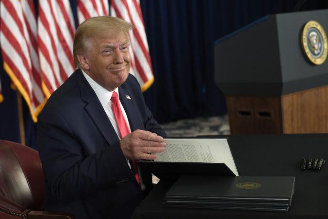 Trump nariadil vyplácanie dodatočnej podpory nezamestnaným, Američania však dostanú menej peňazí