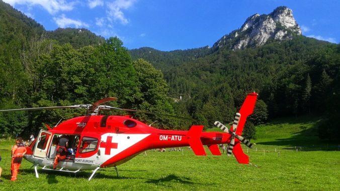 Po českú turistku musel do Západných Tatier letieť vrtuľník, žena sa pošmykla a spadla na skaly