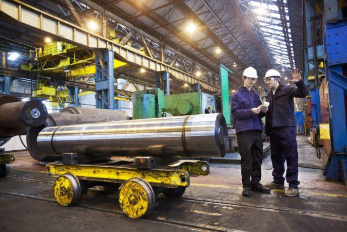 Zamestnanosť v priemysle na Slovensku klesá už jedenásty mesiac, nárast hlási iba jedno odvetvie