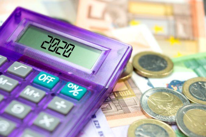 Platy Slovákov narástli až v polovici odvetví, ubytovanie zaznamenalo výrazný pokles