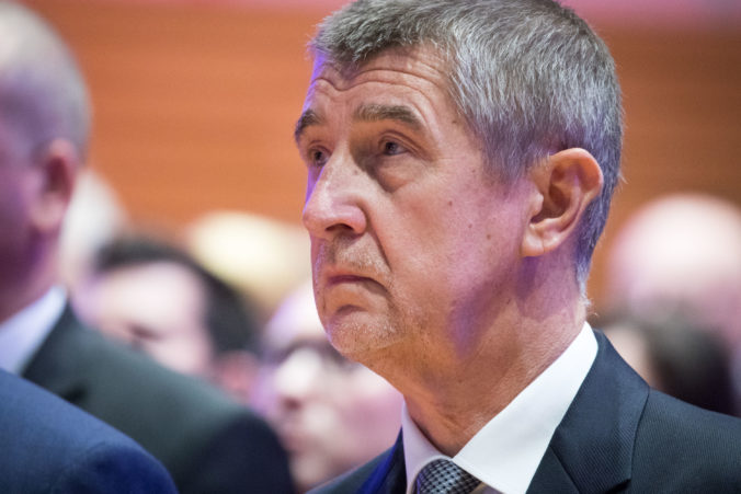 Babiš: Bielorusko potrebuje našu rýchlu pomoc, zbabelá agresívna polícia mláti bezbranných ľudí