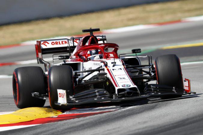 Alfa Romeo má problém s karanténou vo Švajčiarsku. Katalánsko sa ocitlo na čiernej listine