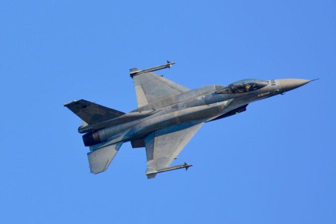 Koronavírus v USA nemá vplyv na výrobu a dodanie stíhačiek F-16 pre Slovensko