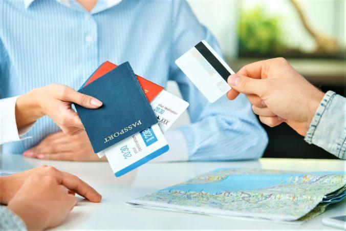 Štát dal cestovným kanceláriám výhodu, ale ich klienti môžu prísť o peniaze aj zaplatenú dovolenku
