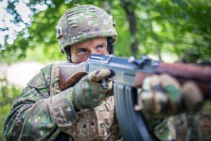 V Martine finišuje základný vojenský výcvik, takmer 300 ľudí ho ukončí kurzom prežitia v teréne