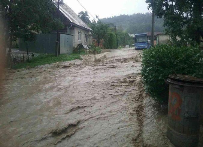 V okrese Čadca hrozia povodne, meteorológovia vydali výstrahu