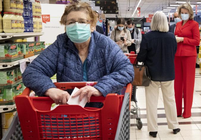 Belgicko uvoľnilo niektoré opatrenia proti koronavírusu, nakupovať sa môže aj vo dvojici