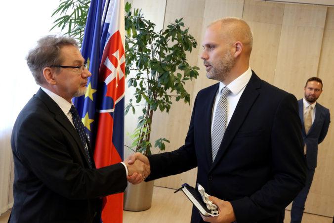 Štátny tajomník Majer: Pri nákupe vozidiel 8×8 ide aj o výhodnosť v plnení záväzkov voči NATO