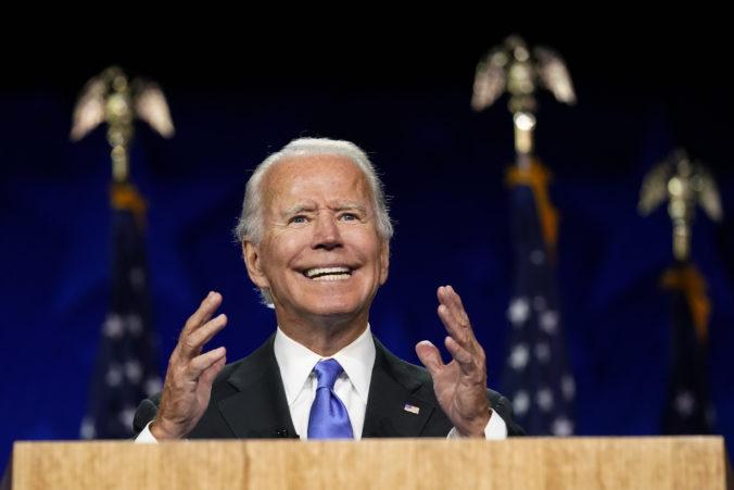 Biden oficiálne prijal nomináciu za prezidenta, chce ukončiť obdobie temna v Amerike