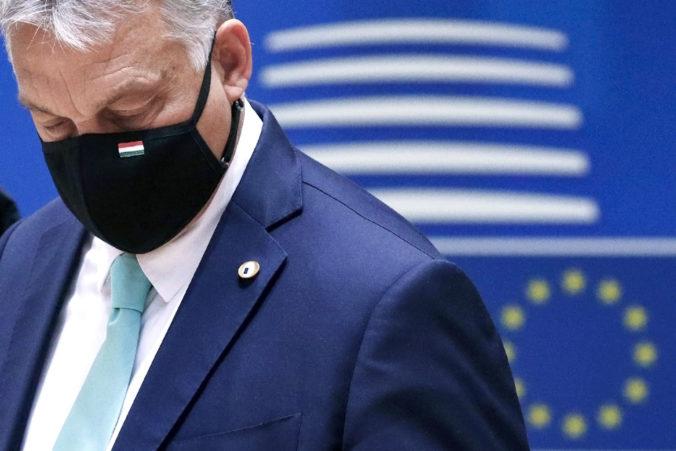 Maďarsko zavedie prísnejšie opatrenia voči koronavírusu, obyvateľom neodporúča cestovať na juh