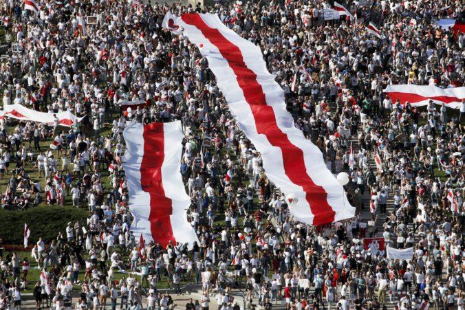 Bieloruské úrady blokujú spravodajské portály v krajine, noviny netlačia pre údajnú poruchu