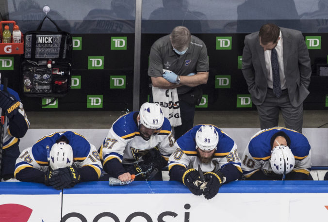 Bluesmani neobhája Stanleyho pohár, po sezóne majú aj Canadiens a Tomáš Tatar (video)