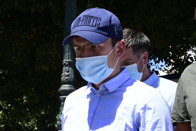 Kapitán Manchestru United Maguire si zavaril v Grécku, po agresívnom správaní skončil vo väzení