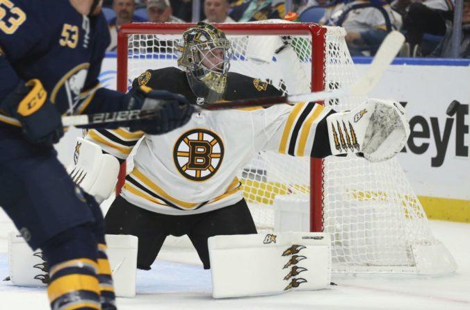 Play-off NHL prinesie súboj Slovákov. Experti favorizujú Tampu, ale Boston má skúseného Haláka