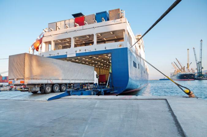 Na gréckom trajekte náhle vybuchla strojovňa, pri nešťastí sa zranilo niekoľko osôb
