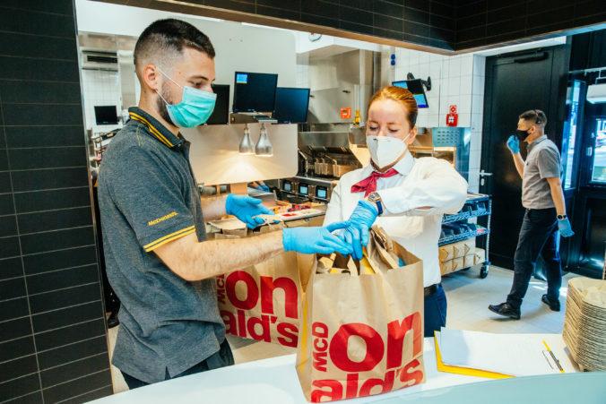 Reštaurácie McDonald's v Trnave prešli komplexnou dezinfekciou pre prípad prenosu Covid-19 na oslave