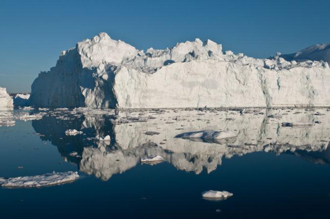 Vedci na základe satelitných záberov od roku 1994 vypočítali stratu 28 biliónov ton ľadu