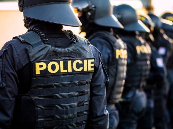 Česká polícia pátra po Slovákovi podozrivom z vraždy, počas hádky pobodal iného bezdomovca