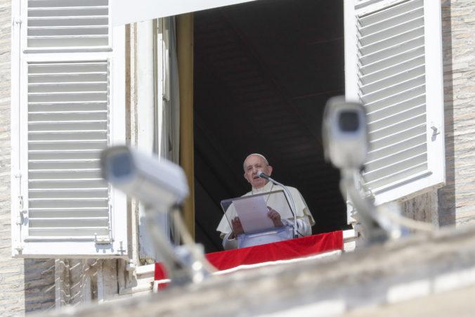 Pápež František upozornil na prehlbovanie rozdielov počas pandémie koronavírusu