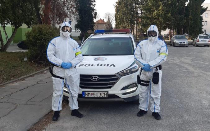 Polícia bude prísnejšie kontrolovať opatrenie proti COVID-19 a je pripravená rozdávať aj pokuty