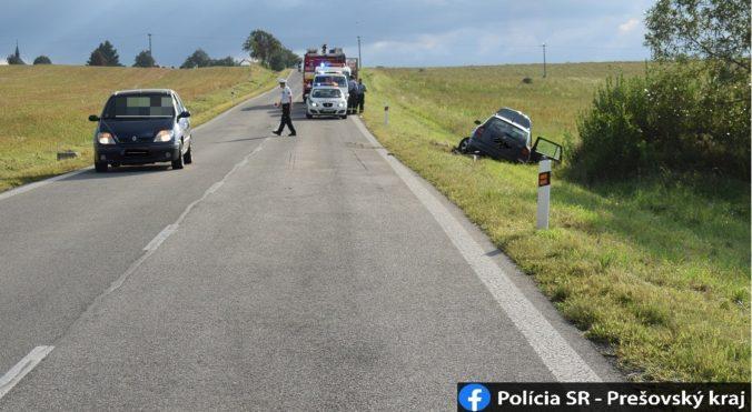 Vodič strhol riadenie, aby zabránil čelnej zrážke. Opitého šoféra dolapila až polícia