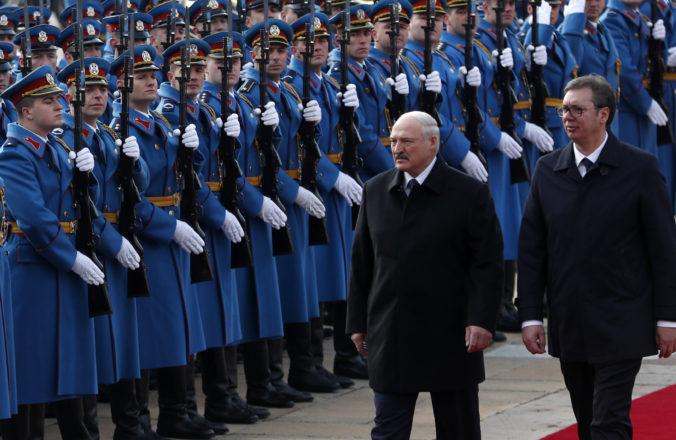 Srbsko prekvapilo a nepostavilo sa na stranu Lukašenka, ale akceptovalo postoj EÚ