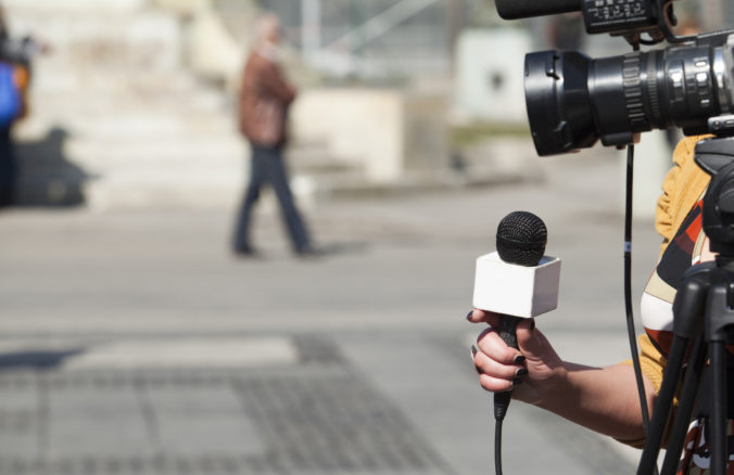 Bieloruská vláda tvrdo zakročila proti novinárom, odoberala licencie a niekoľkých deportovala