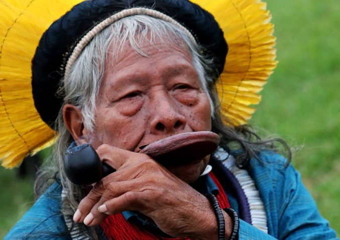 Ochranca Amazonského pralesa má koronavírus, náčelník Raoni Metuktire skončil v nemocnici