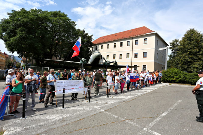 Banská Bystrica sa dištancuje od protestov počas osláv SNP, takéto prejavy na spomienku nepatria