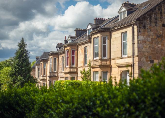 Ceny domov v Británii dosiahli nové maximum, priemerná cena presahuje dvestotisíc libier