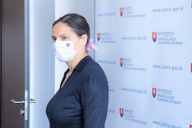 Pre sudcov je v ťažkých kauzách náročné zostať nestrannými napriek spoločenskému tlaku, vysvetlila Kolíková