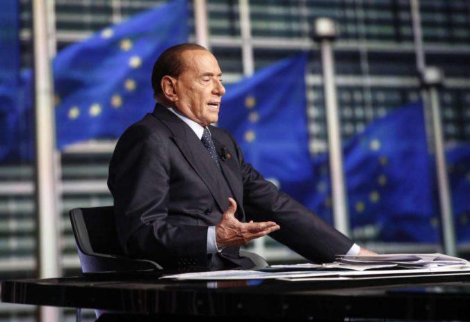 Bývalý taliansky premiér Berlusconi sa nakazil koronavírusom, preventívne ho hospitalizovali
