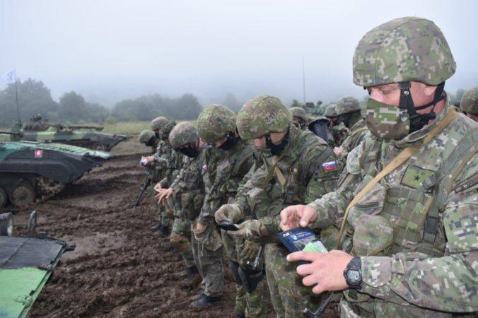 Takmer tisíc vojakov ukončilo cvičenie Slovak Rifles, budú plniť úlohy deklarovanej jednotky