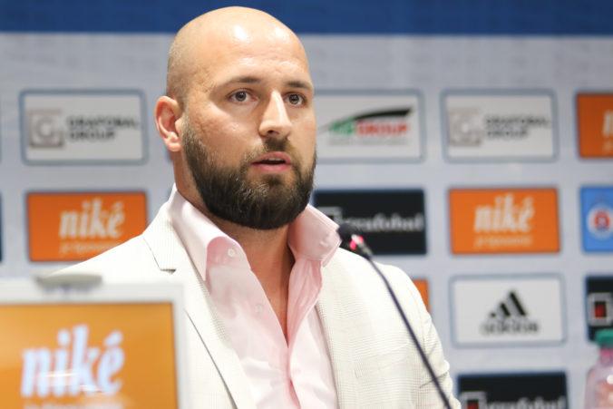 Futbalový Slovan odvolal trénera Kozáka, mužstvo potrebuje podľa Kmotríka nový impulz